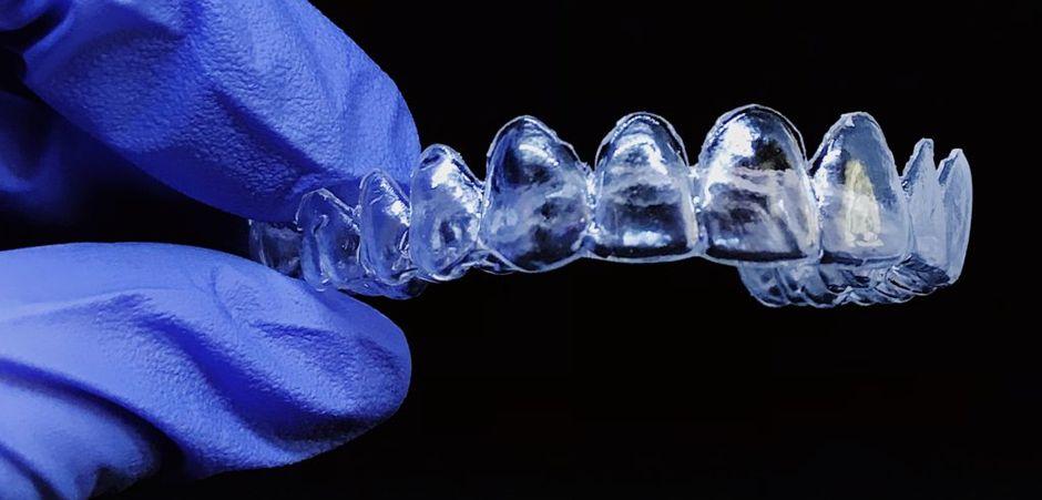 Ретенционная каппа для зубов